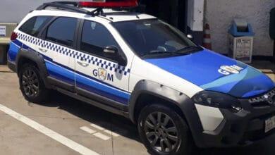 Foto de GM captura procurados e prende homem por agressão contra mulher